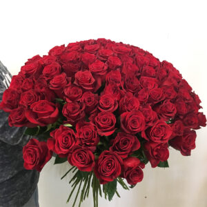 Kytica 100 červených ruží