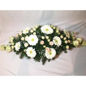 Ikebana s gerberami a mini ružami