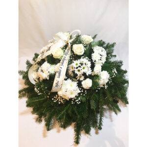 Smútočný veniec s chryzantémami