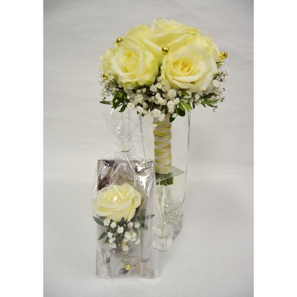 Biela kráska s ruží