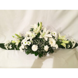 Ikebana s bielych ľálií