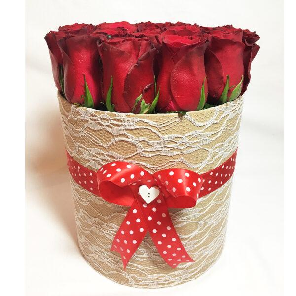 Kvetinový box z 18 ruží
