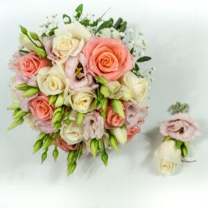 Okrúhla farebná svadobná kytica