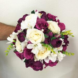 Umelá fialovo biela svadobná kytica