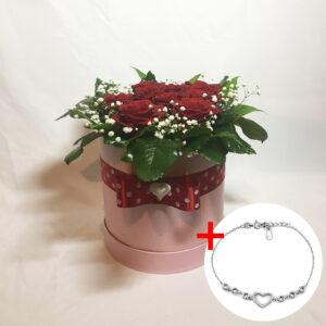 Kvetinový box 9 červených ruží s náramkom v tvare srdiečka